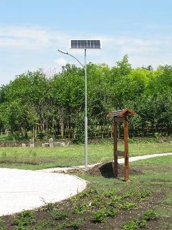UNK-MONO-8W-2013-(KV) típusú napelemes kandeláberek biztosítják a térvilágítást Nagylókon.