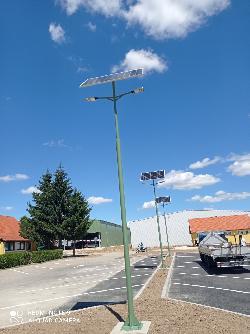 Pókaszepetk 6 méteres 2 karú napelemes térvilágítás