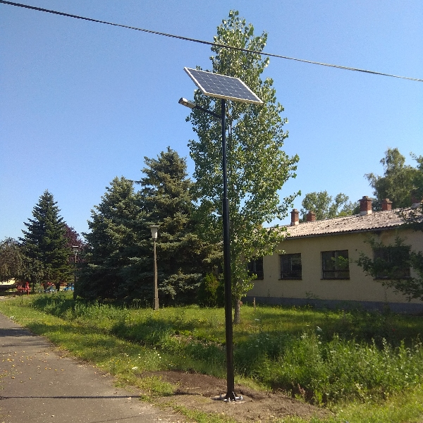 Kenderes, Ipari park, napelemes térvilágítás