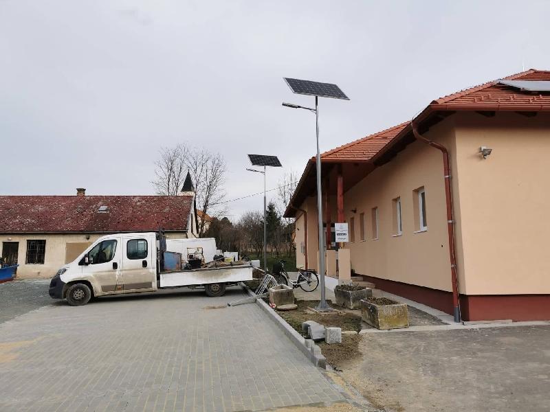 Zalaszentiván, Óvoda parkoló napelemes közvilágítása