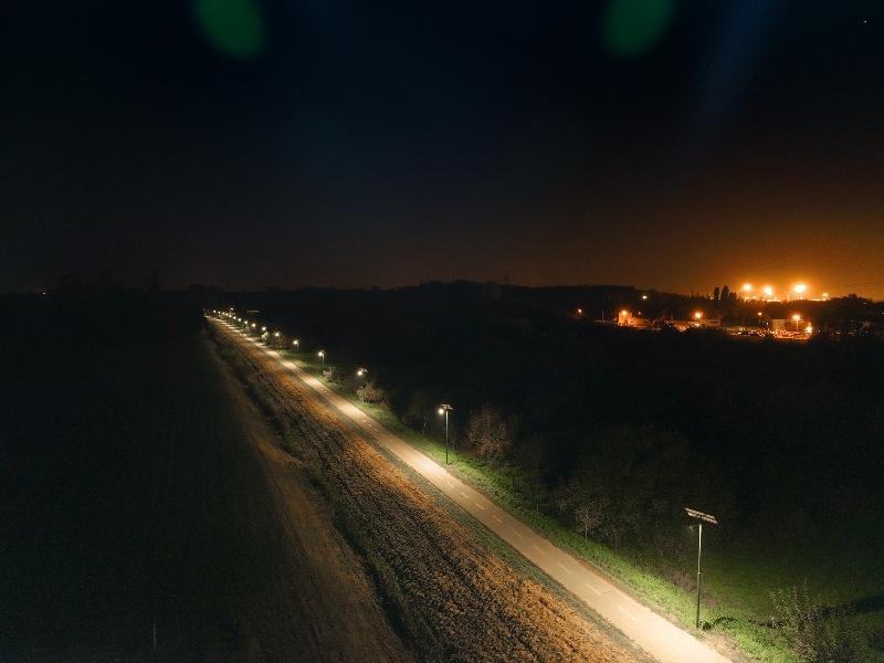 Budapest, 16. kerület, Szilas-Patak menti kerékpárút napelemes világítása