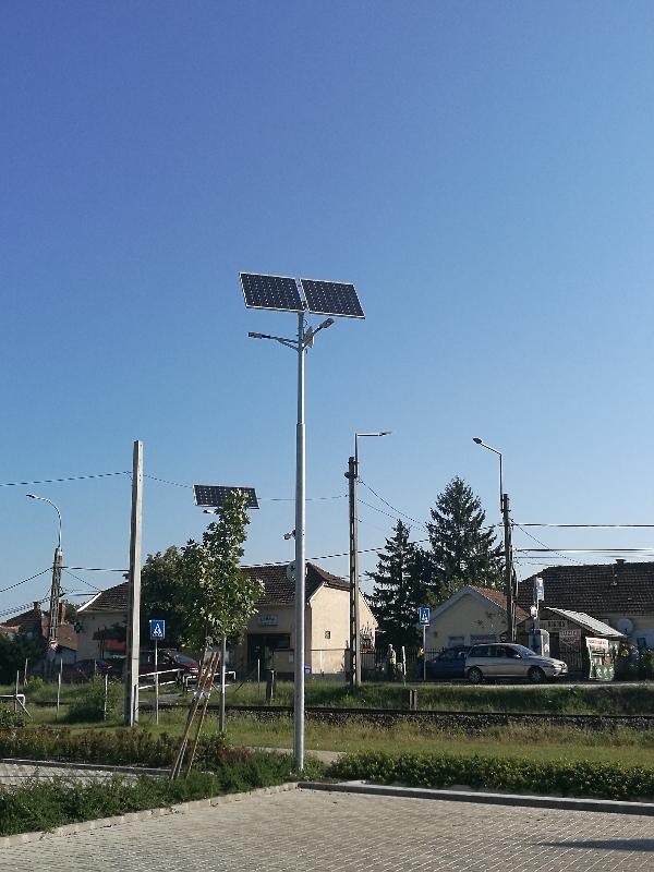 Gyál Milleniumi Park, parkoló napelemes térvilágítása