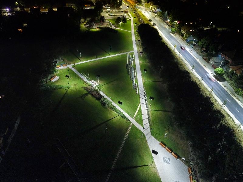 Gyál, Milleniumi Park napelemes sétányvilágítás