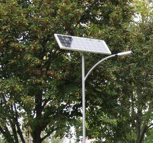 Dombóvár, kerékpárút napelemes közvilágítása