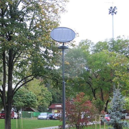 Százhalombatta, napelemes sétányvilágítás (Egészségügyi Központ)