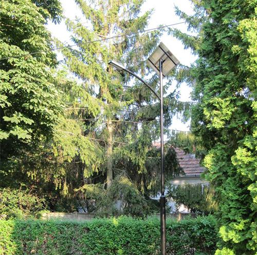 Váti templom térvilágítása, napelemes kandeláber