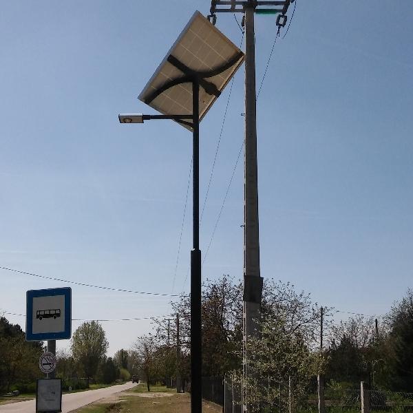 Ballószög, buszmegálló napelemes megvilágítása