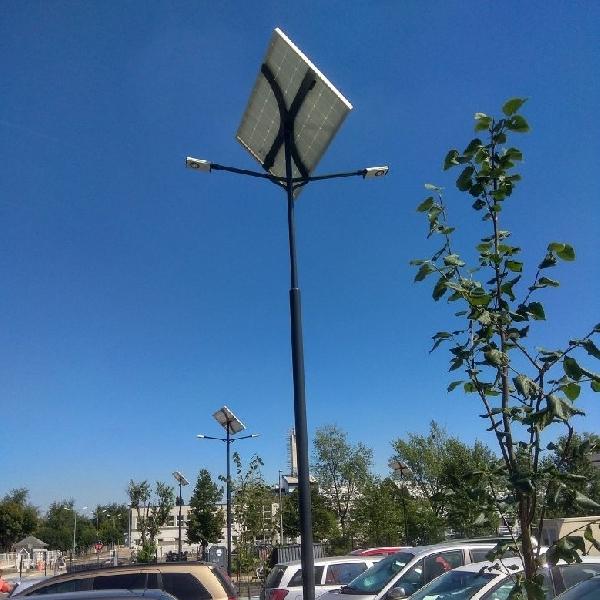 Budapest, Continental, parkoló napelemes megvilágítás