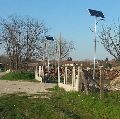Páhi, napelemes térvilágítás