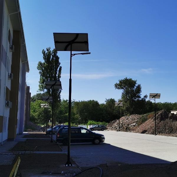 Kecskemét, Smaragd lakópark, napelemes parkolóvilágítás
