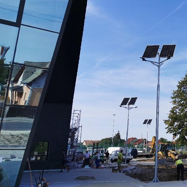 Gyál, Ady Endre utcai sporttelep, napelemes térvilágítás