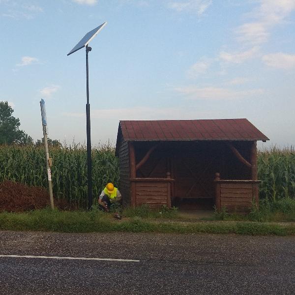 Tiszajenő, buszmegálló napelemes megvilágítás