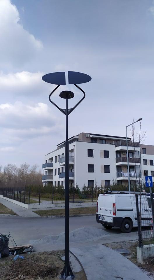 Budapest, Sándor István utcai park napelemes tévilágítása