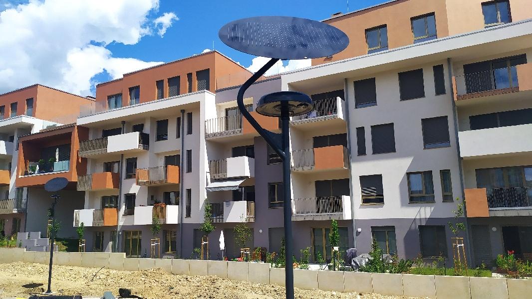 Budapest Sasad Liget Lakópark napelemes térvilágítás